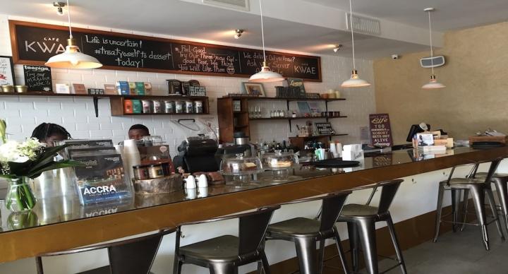LOVE CAFÉ KWAE